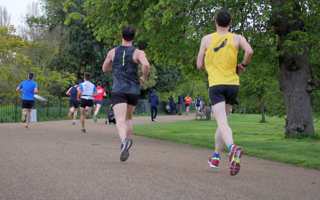 De voordelen van hardlopen in een loopgroep